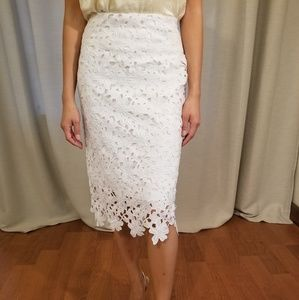 Abercrombie & Fitch white flower lace pencil skirt